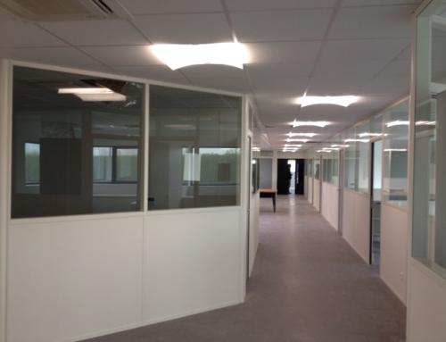 Éclairage de bureau à économie d'énergie