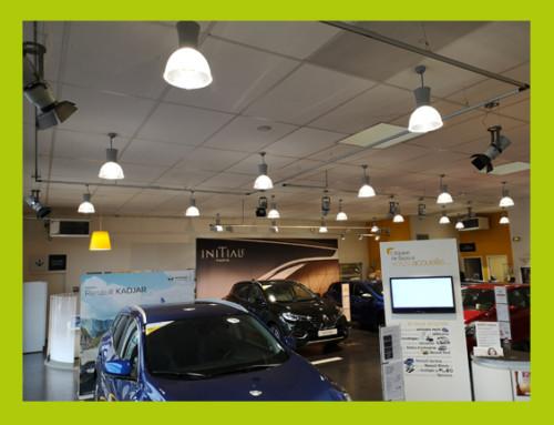 Installation de luminaires LED dans une concession automobile