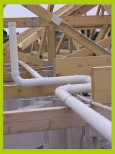 Installation du réseau de l'aspiration centralisée dans le grenier